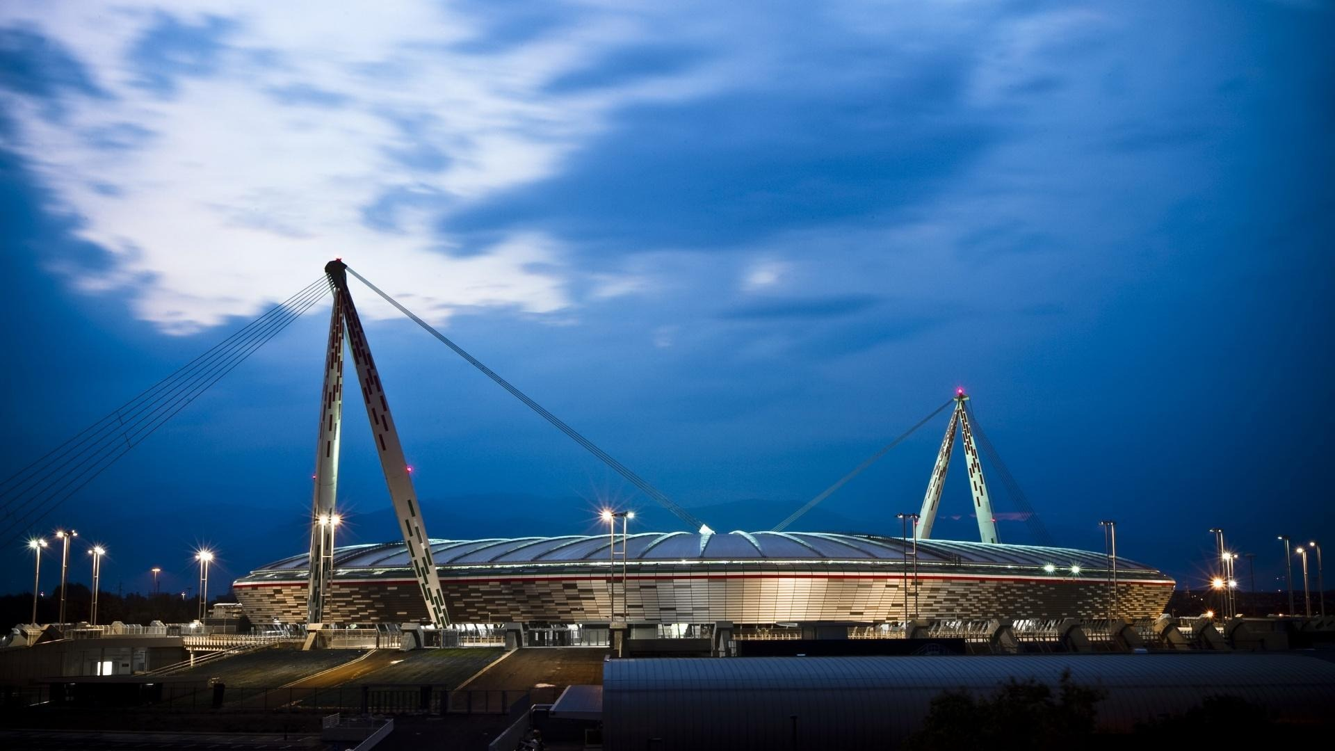 Allianz Stadium sport name rights